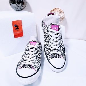 Converse Shoes - Converse All Star white leopard print sneakers🦄💋